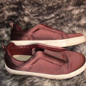 Steve Madden Dusty Rose Patton Slip On Shoes